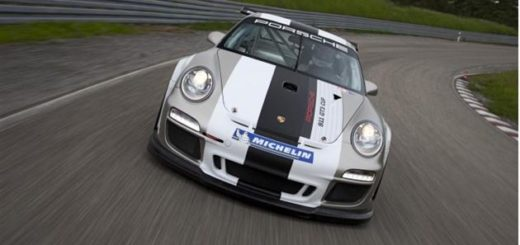 автогонщик угробил Porsche 911 GT3
