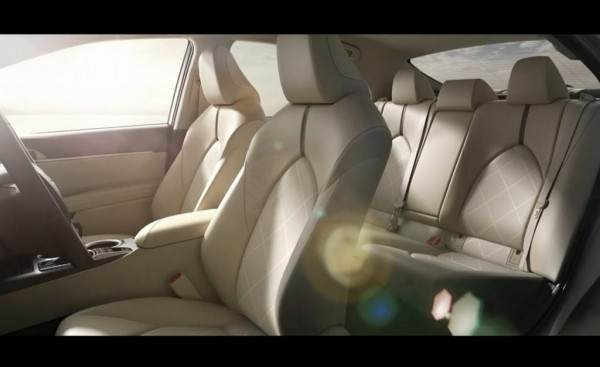 Toyota Camry салон