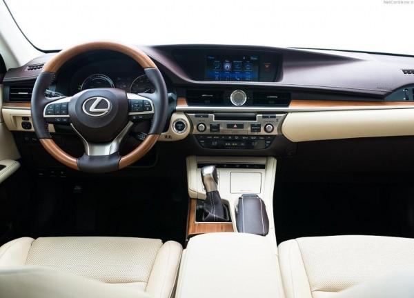 Lexus ES салон