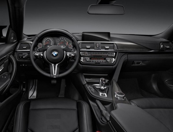купе BMW M4 фото салона