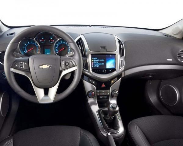 Chevrolet Cruze фото салона