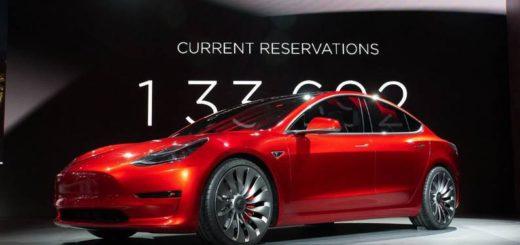 электрокар Tesla Model 3