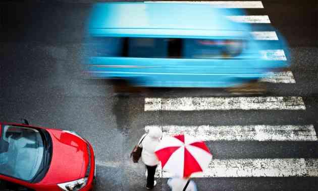 непропуск пешехода на пешеходном переходе