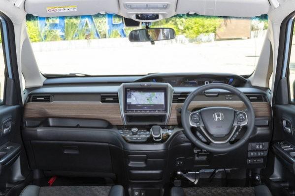 Хонда Фрид 2020 фото салона